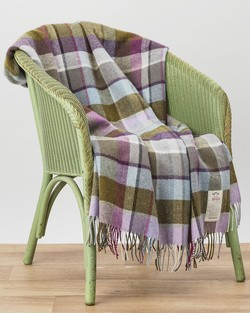 WR122 Lambswool Throw