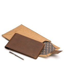 Bellroy Travel Wallet in Cocoa Brown