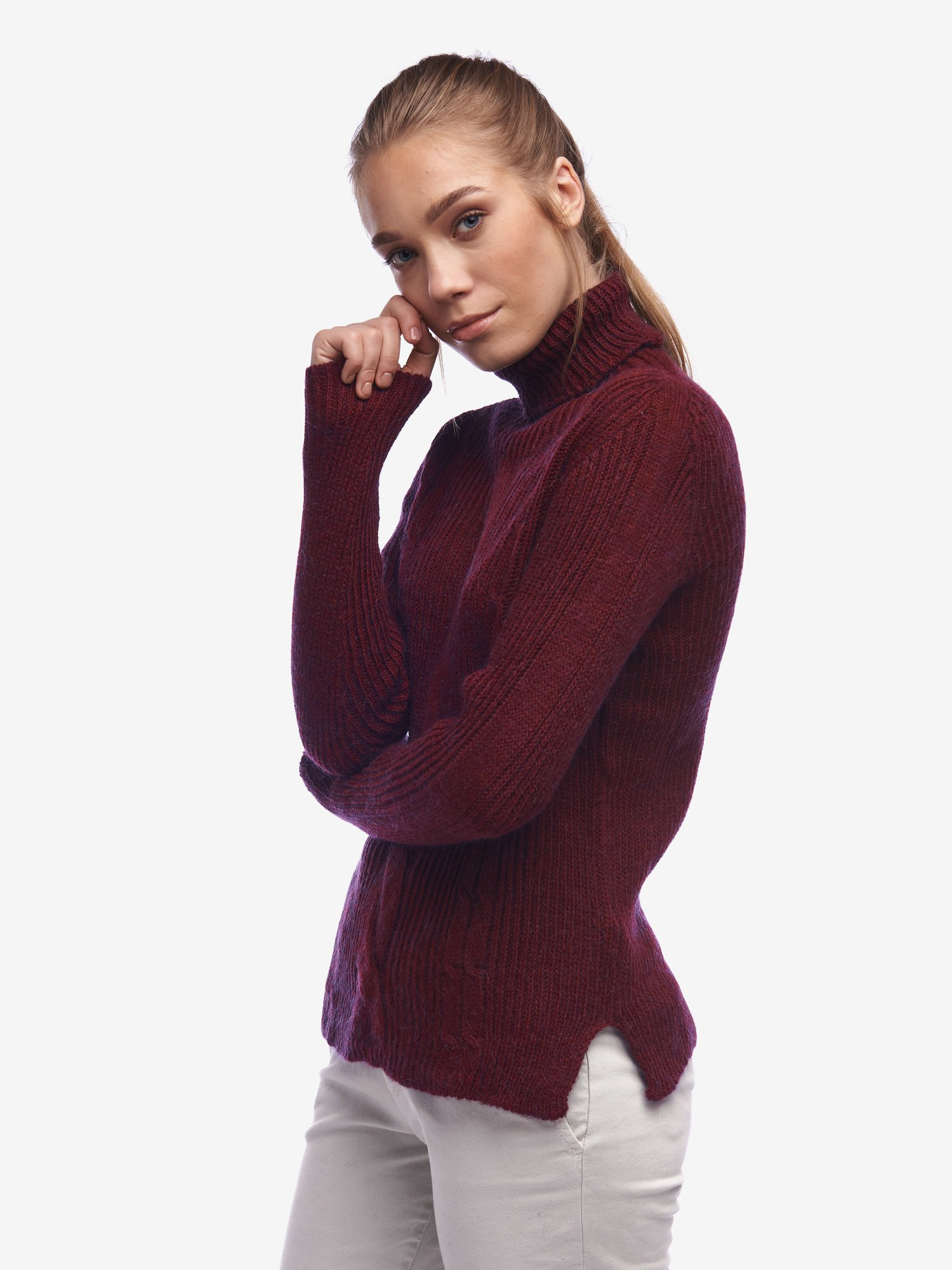 Blauer - CABLE TURTLENECK SWEATER - Blackberry - Blauer