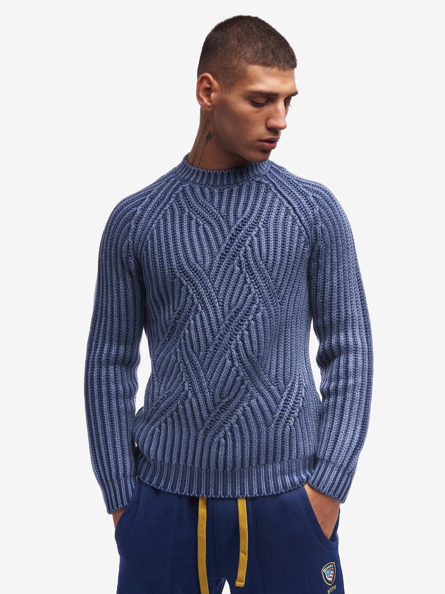 CREW NECK CABLE KNIT SWEATER - Blauer