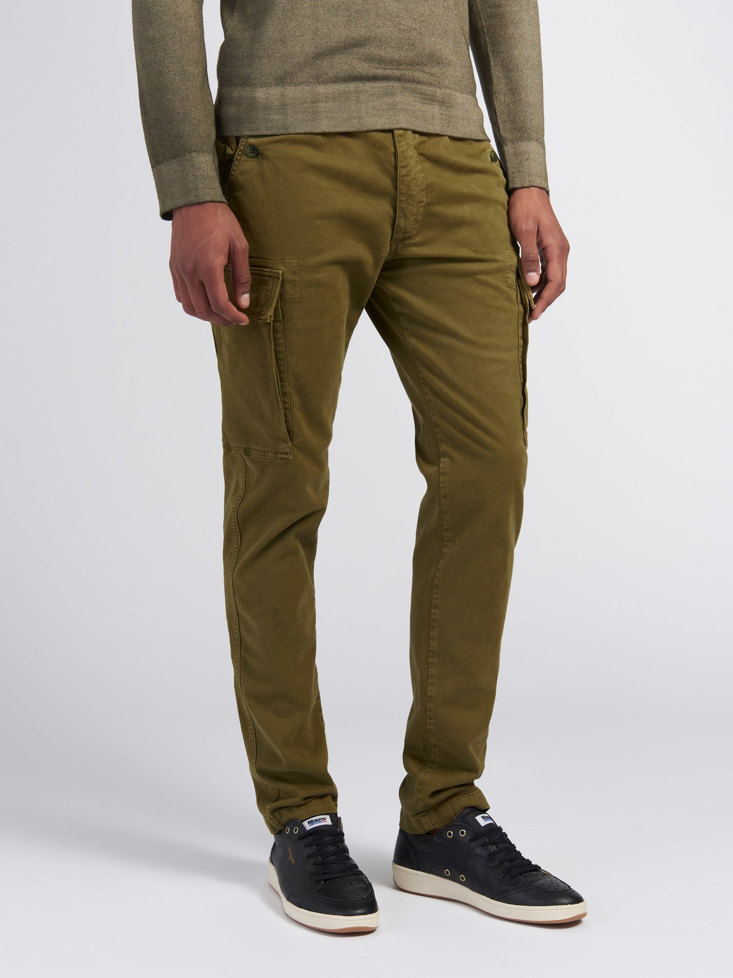 Blauer - PANTALON STRETCH TEINT EN PIÈCE - Light Military Green - Blauer