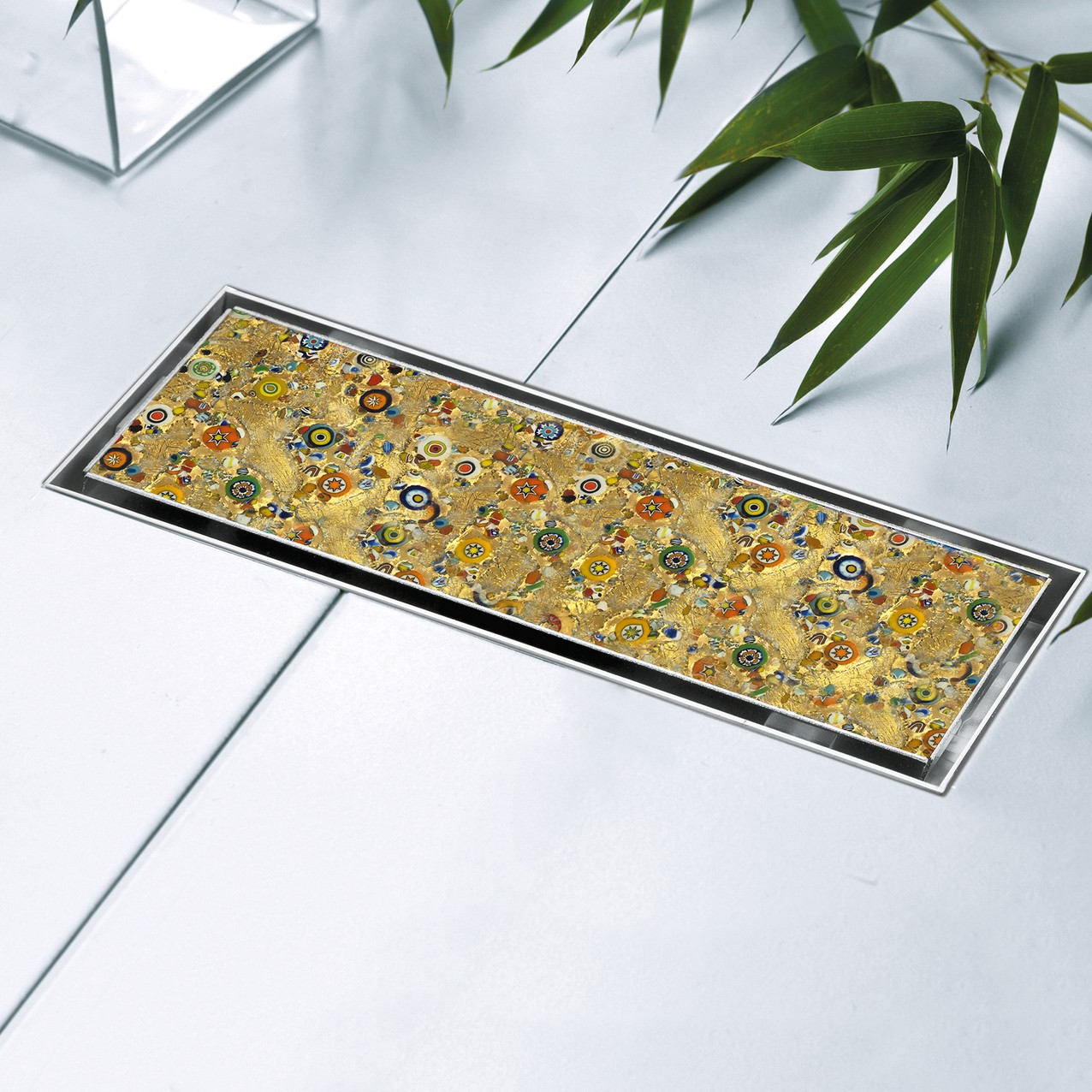 Lineardrain IN-TILE with a Gold Murrina Glass
