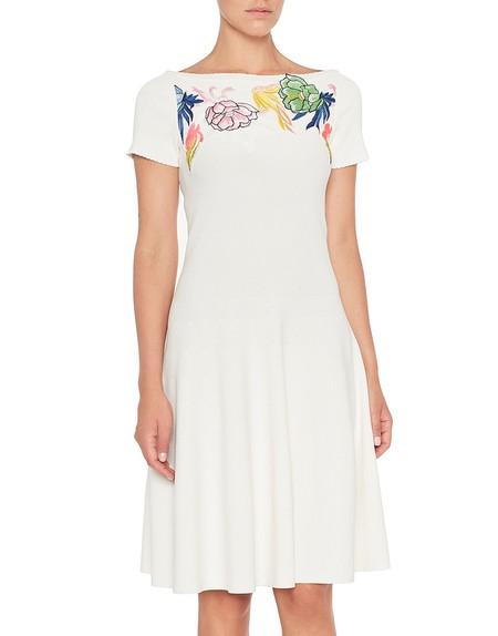 Трикотажное платье с цветочной вышивкой