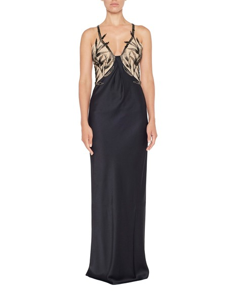 Kleid aus Atlasseide mit Bambusstickerei