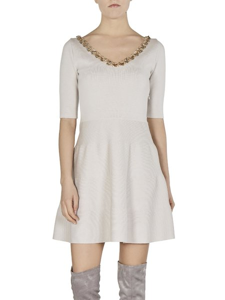 Knit dress with embroidery