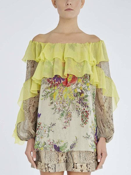 Blouse in silk with flounces