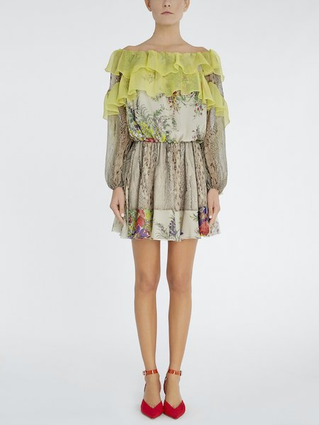 Dress in silk with flounces