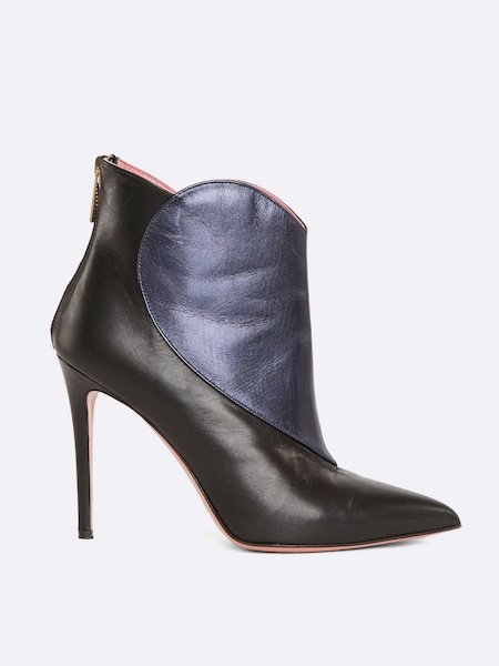 Ankle boots in leather with heart inset and zipper - Black