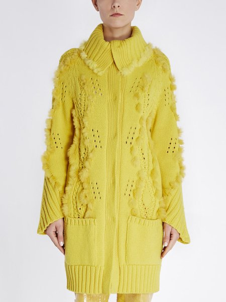 Overcoat in wool with fur insets - yellow