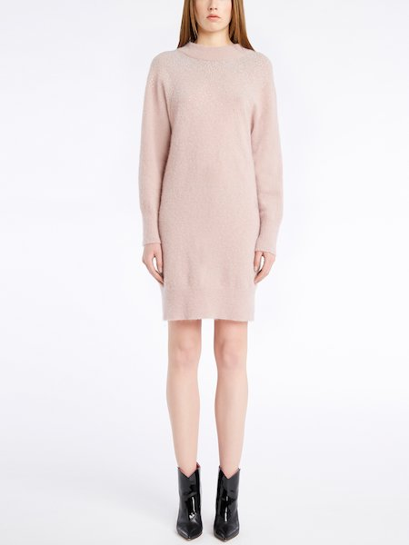Long-sleeved knit dress with rhinestones - pink