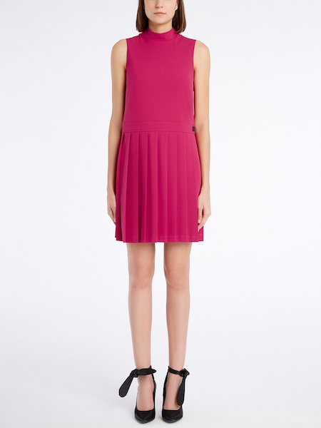Sleeveless dress with pleated skirt - pink