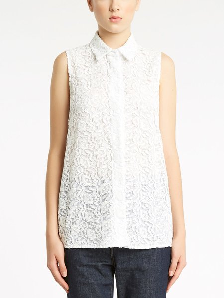 Sleeveless shirt in macramé lace