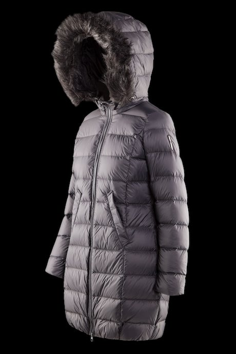 Long matt down jacket with faux fur inserts