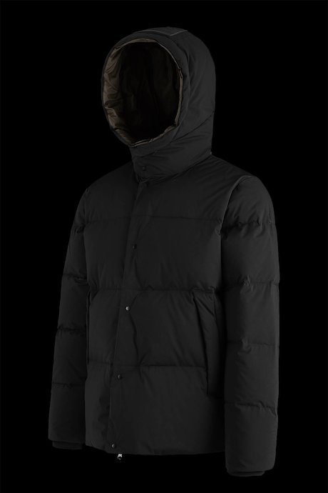 Short down jacket with detachable hood