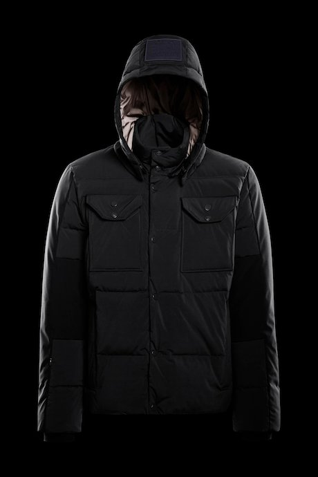 Multipocket jacket detachable hood