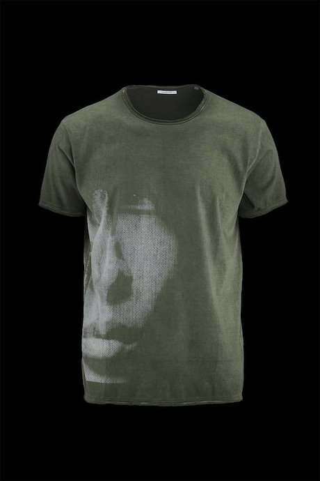 Man's T-shirt Face