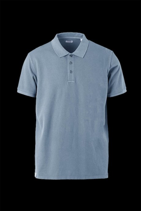 Three buttons polo shirt