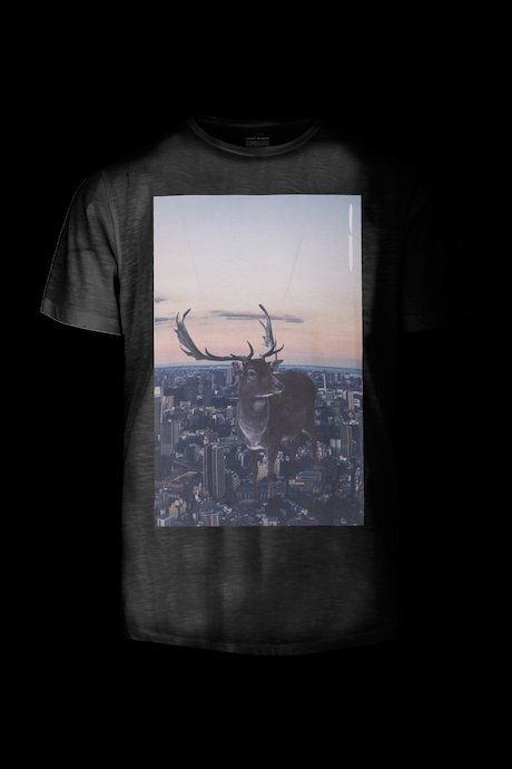 T-shirt con Stampa Deer on City