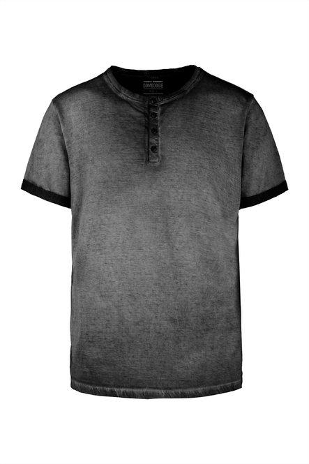 Kalt gefärbtes T-Shirt mit Knöpfe