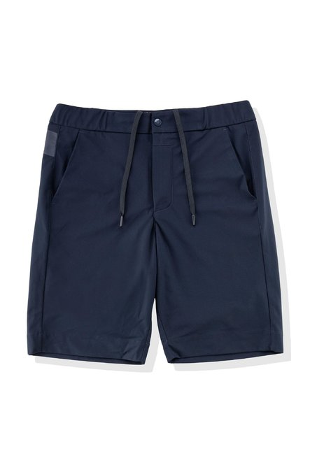 Shorts with chino pockets
