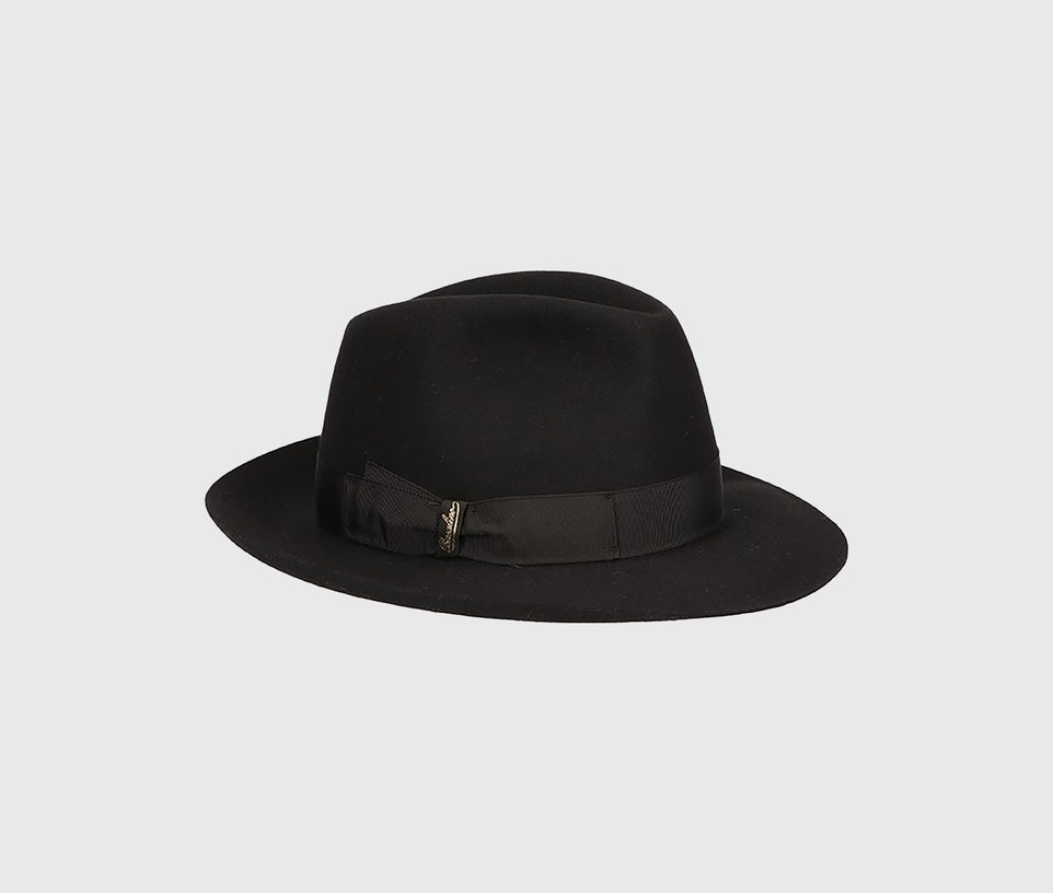 Medium-brimmed Folar
