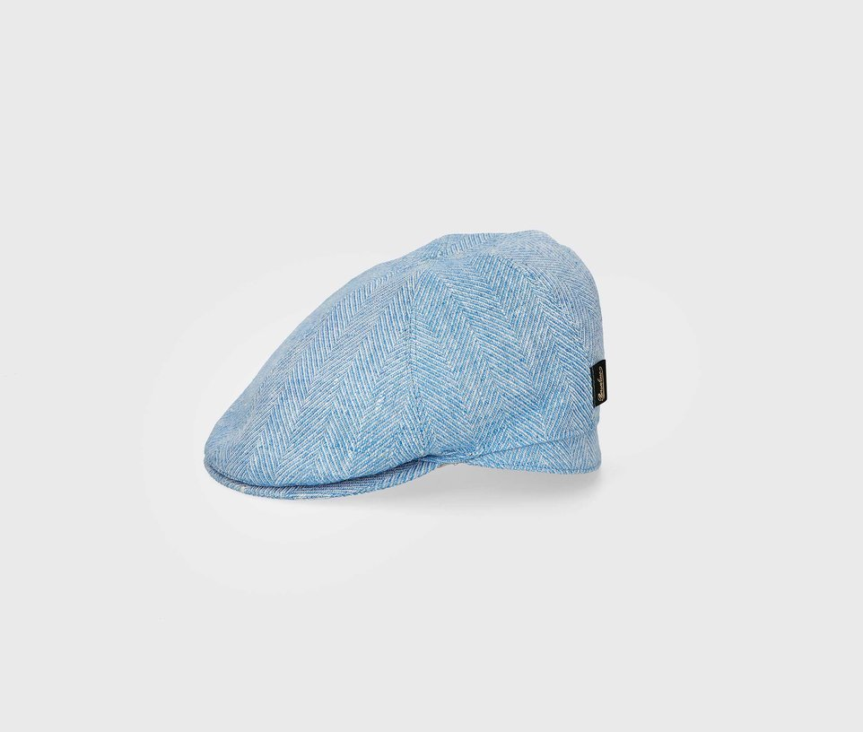 Duck beack flat cap with checkered pattern