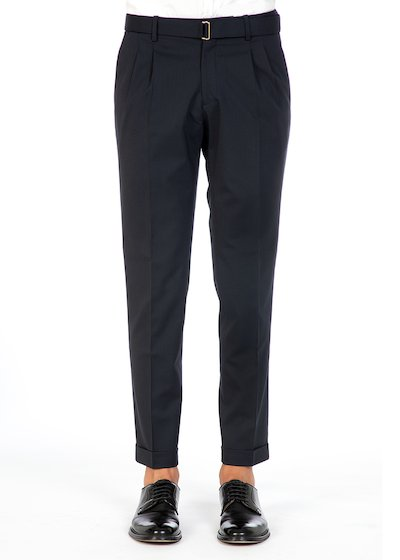 Easy fit trousers whit cuff and belt in wool