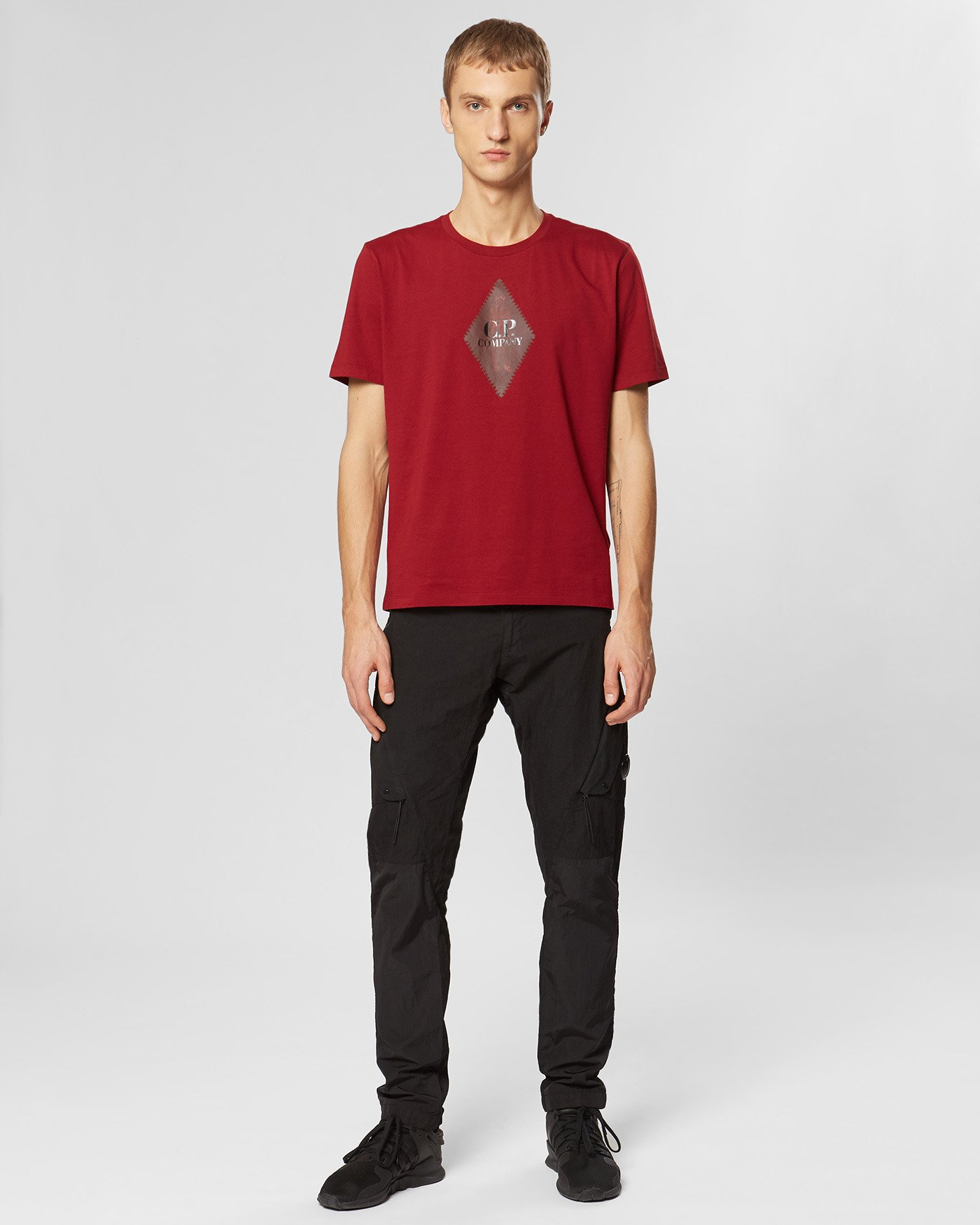 T-Shirt aus 30/1-Jersey mit rautenförmigem Logo-Print
