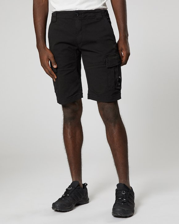 Garment Dyed Stretch Gabardine Cargo Lens Shorts in Black