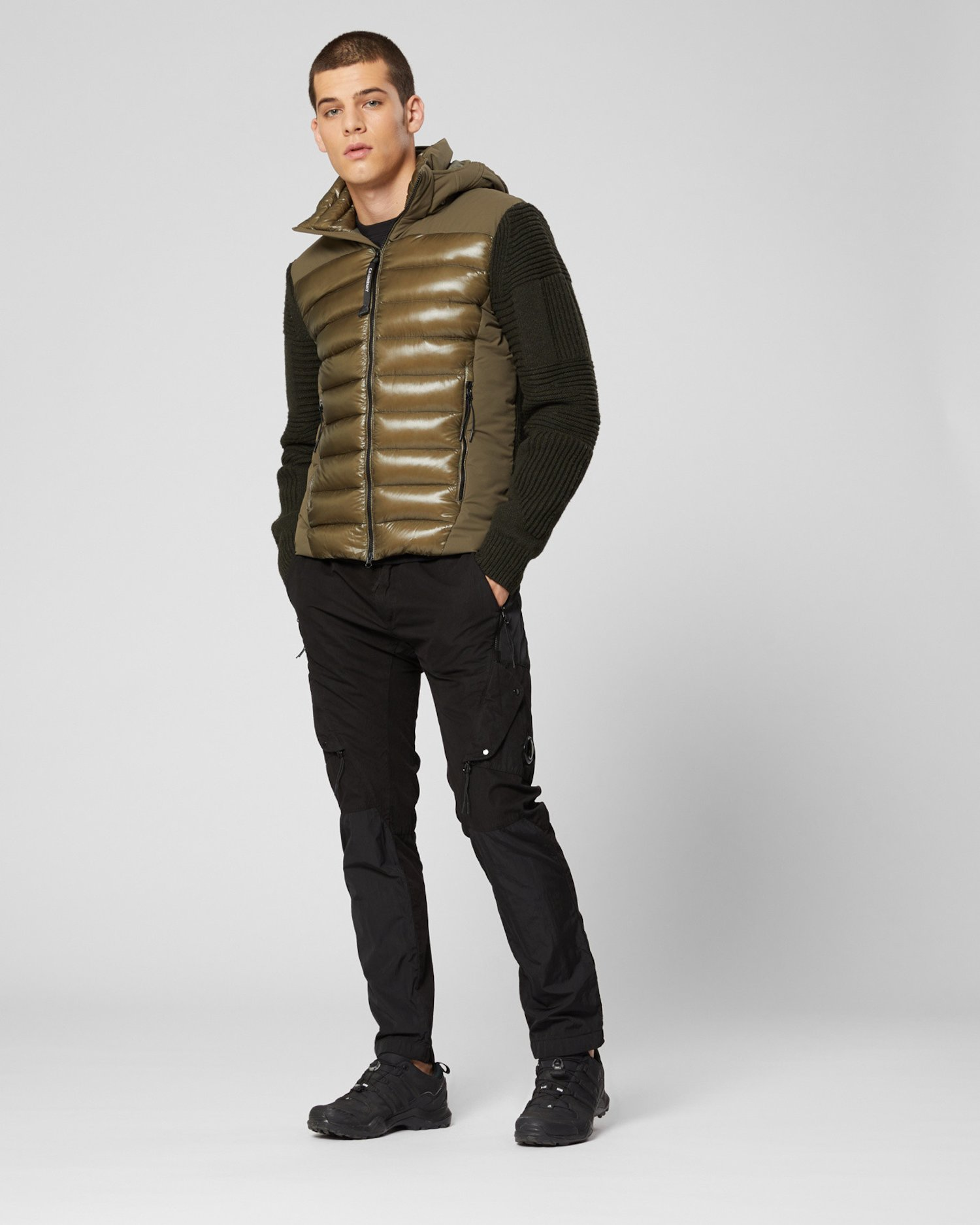 Куртка из овечьей шерсти/нейлона секционной вязки с очками