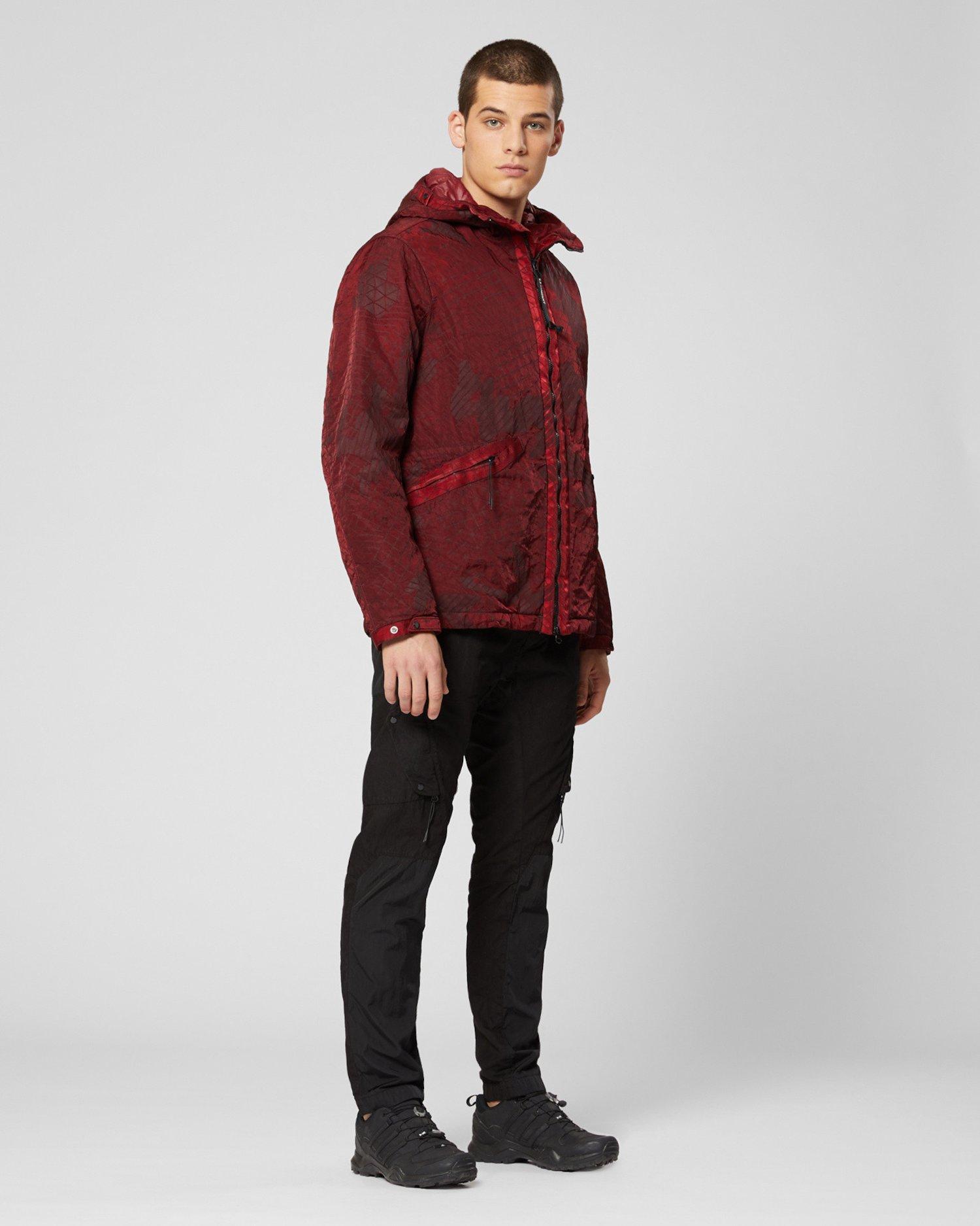 Mittellange M-Bossed Jacke