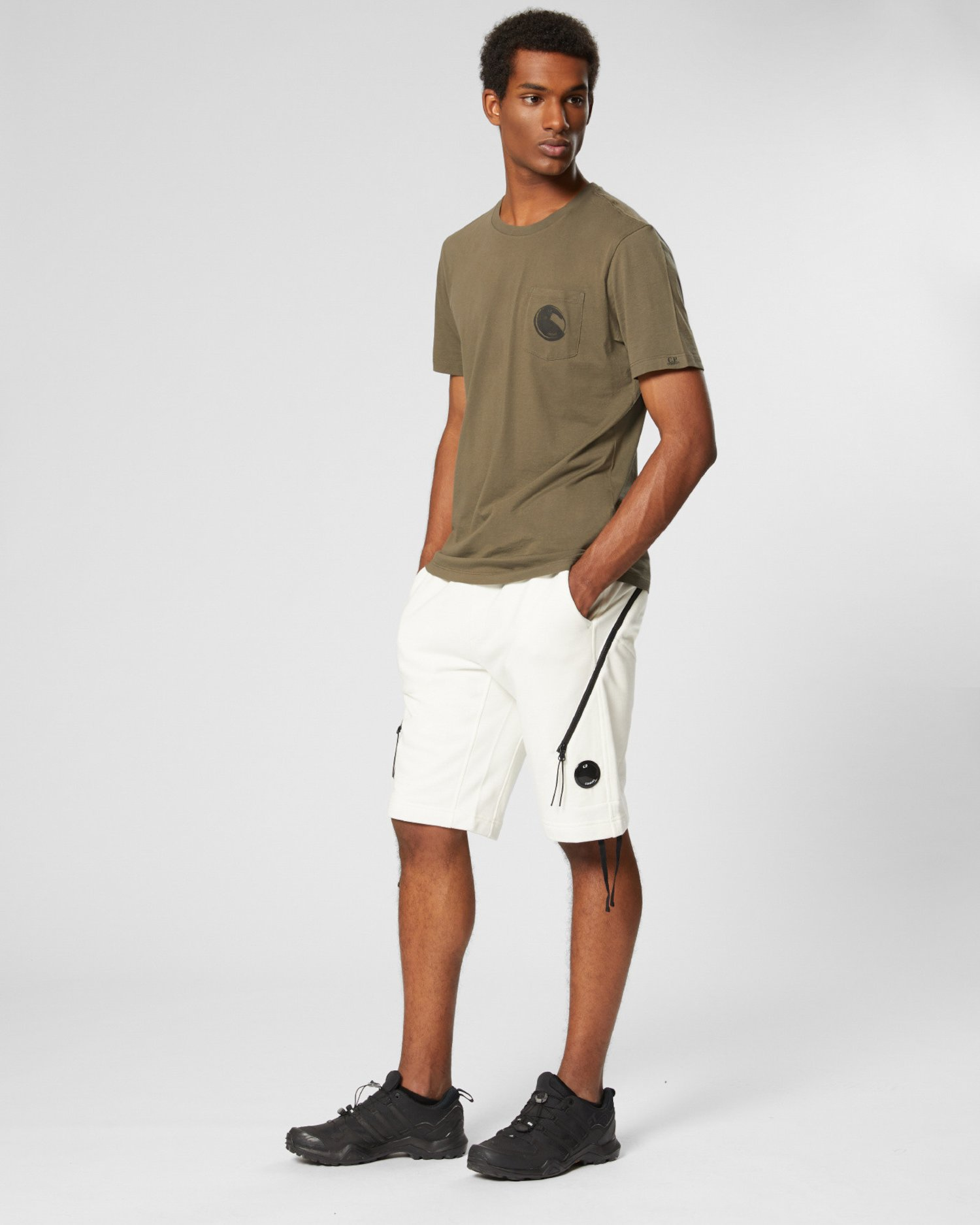 Shorts aus Fleece mit Diagonalbindung und Linsen-Detail