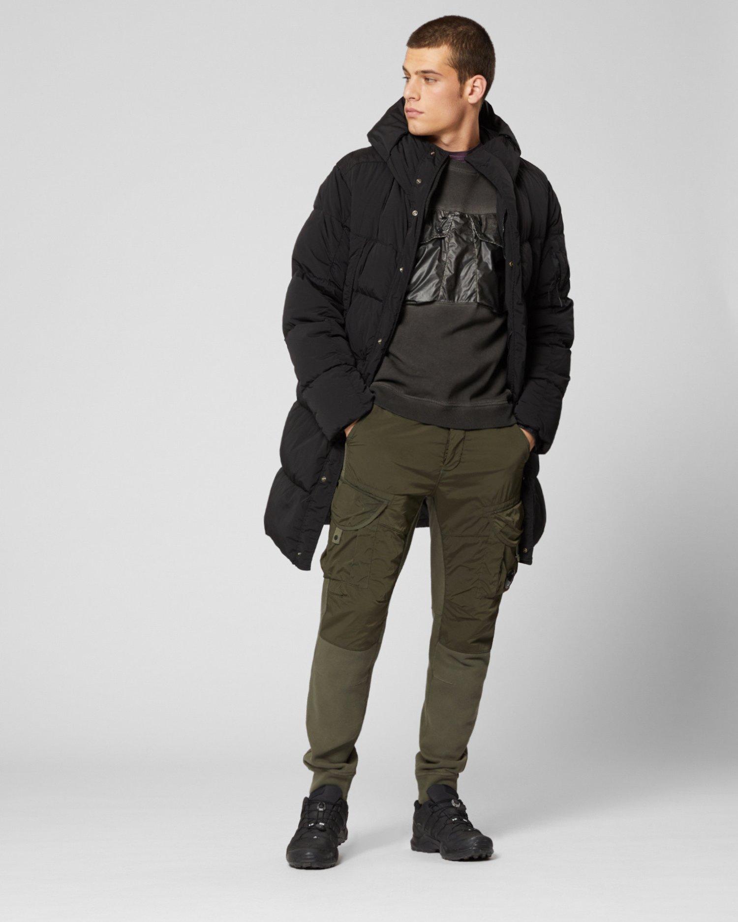 Окрашенный в готовом виде свитер из резины и хлопчатобумажного флиса с эффектом старения