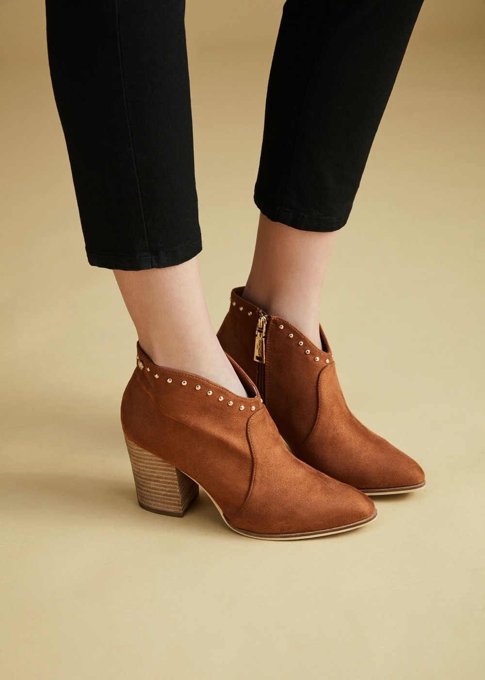 Sheryl ankle boot with studs - Land - Woman