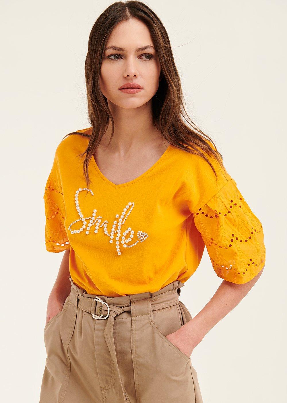 T-shirt Sirya con scritta perle - Papaya - Donna
