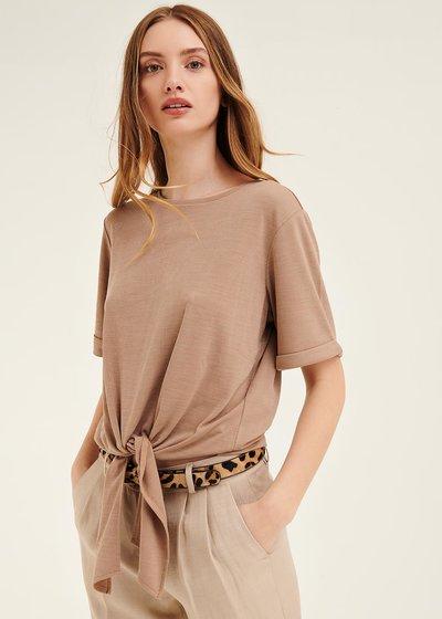 T-shirt Stephanie con fiocco al fondo