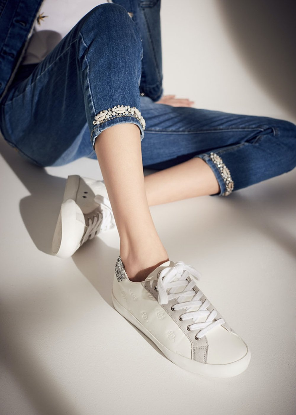 Suzy sneakers with logo - White - Woman