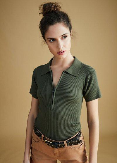 T-shirt in maglia Salome con zip