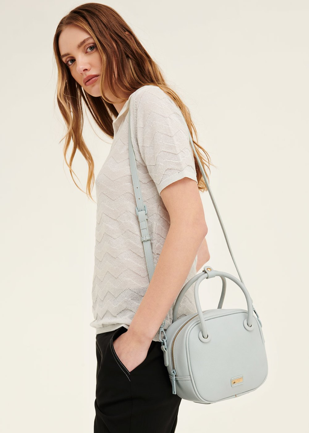 Berry shoulder bag with tubular handles - Blue sky - Woman