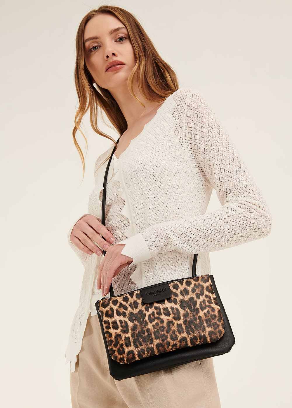 Tonga animal print clutch bag with shoulder strap - Safari Animalier - Woman