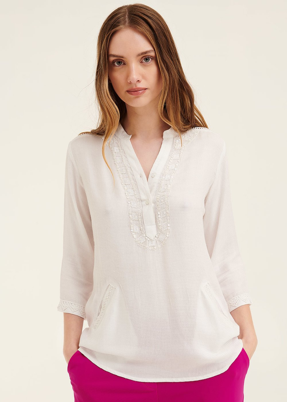 Catrin shirt with beaded embroidery - White - Woman