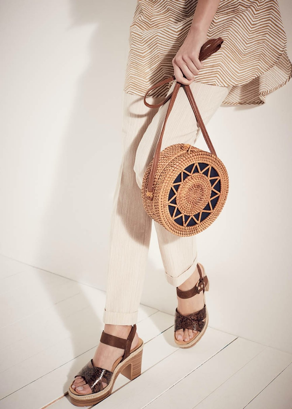Bunny round straw shoulder bag - Cammello / Oltremare - Woman