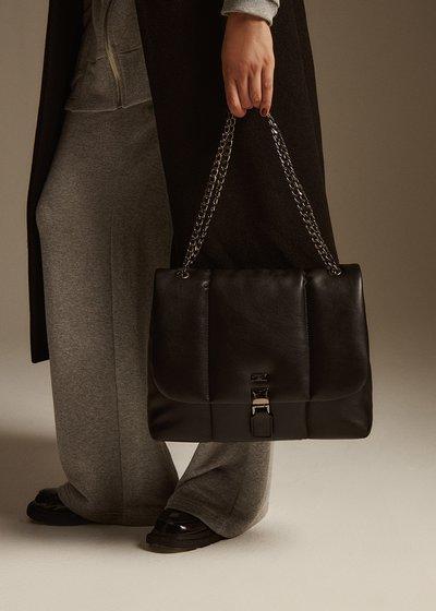 Biarn bag with flap
