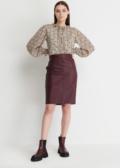 Elisabeth Pencil Skirt in Faux Leather