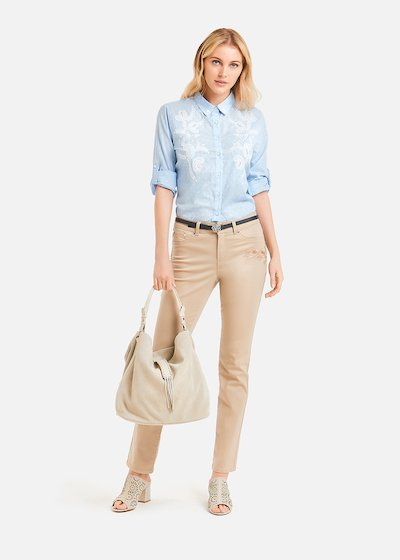 Charley shirt with white embroidery