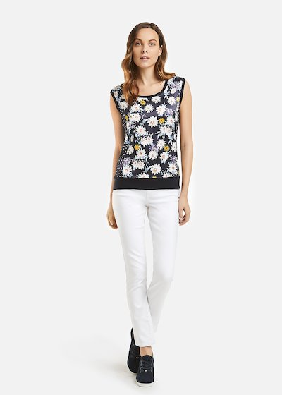 Top Taris daisies pattern