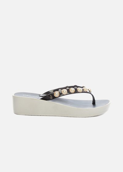 Callisia flip flops with pearls and wedge