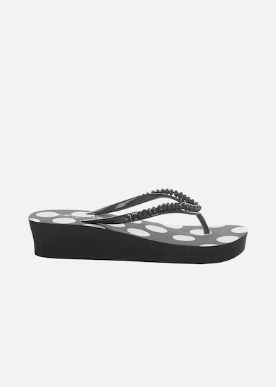 Calluna flip flops with stones detail
