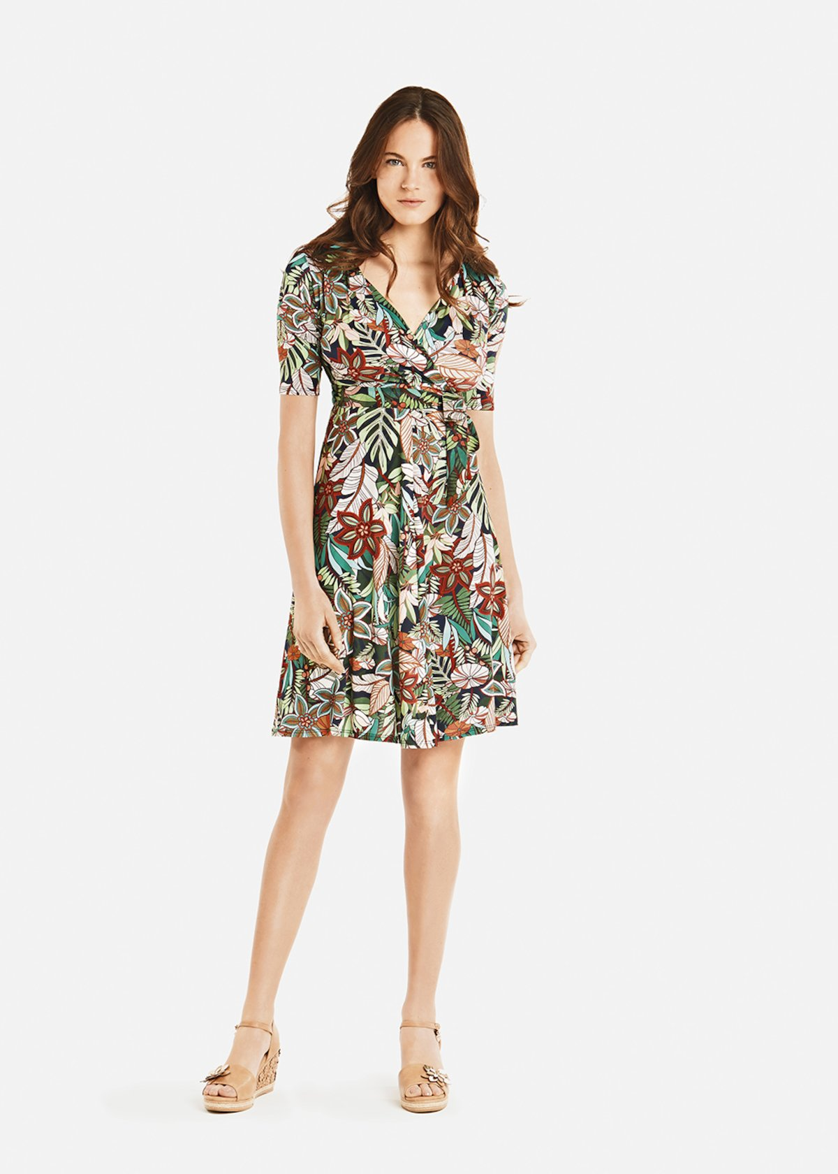 Adrian dress with a jungle pattern