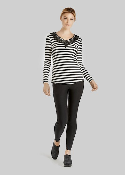 T-shirt Stily a fantasia righe con mesh e perline sullo scollo